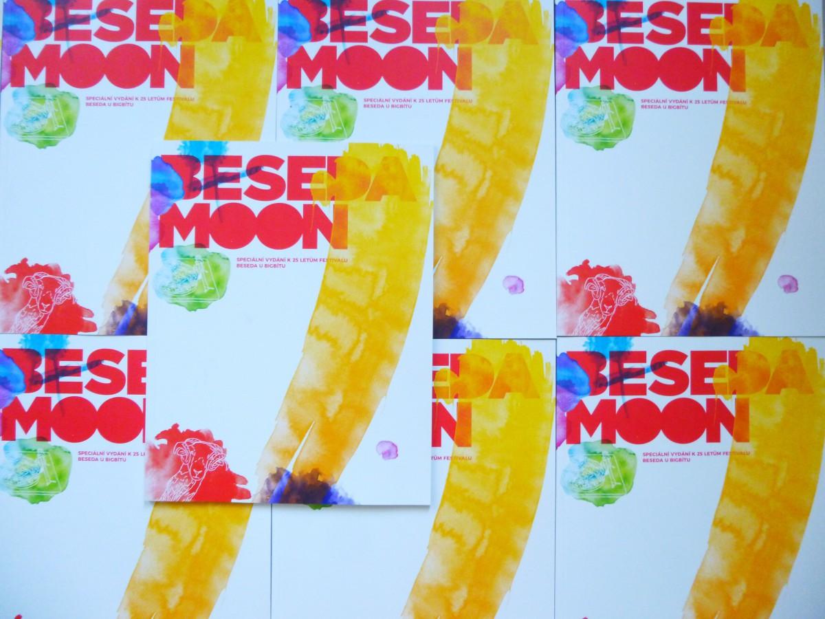 Beseda Moon: unikátní propojení časopisu a festivalu pečetí oslavu 25 let Besedy u Bigbítu